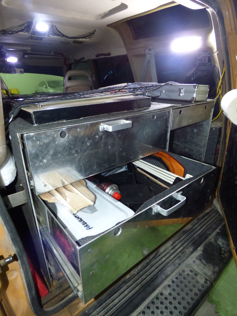 rear-drawers-and-led-interior-lights